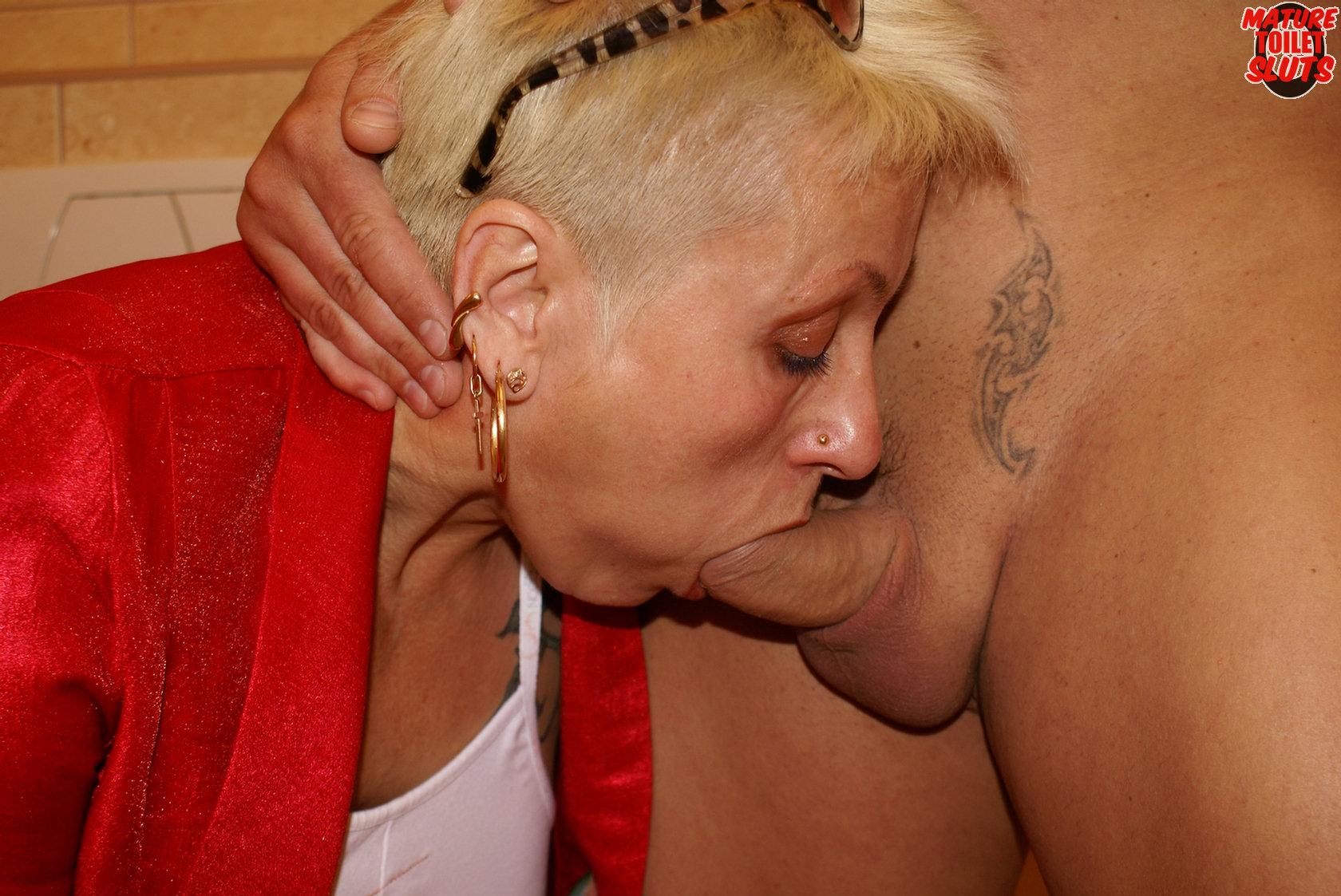 Women s raunchy mature videos