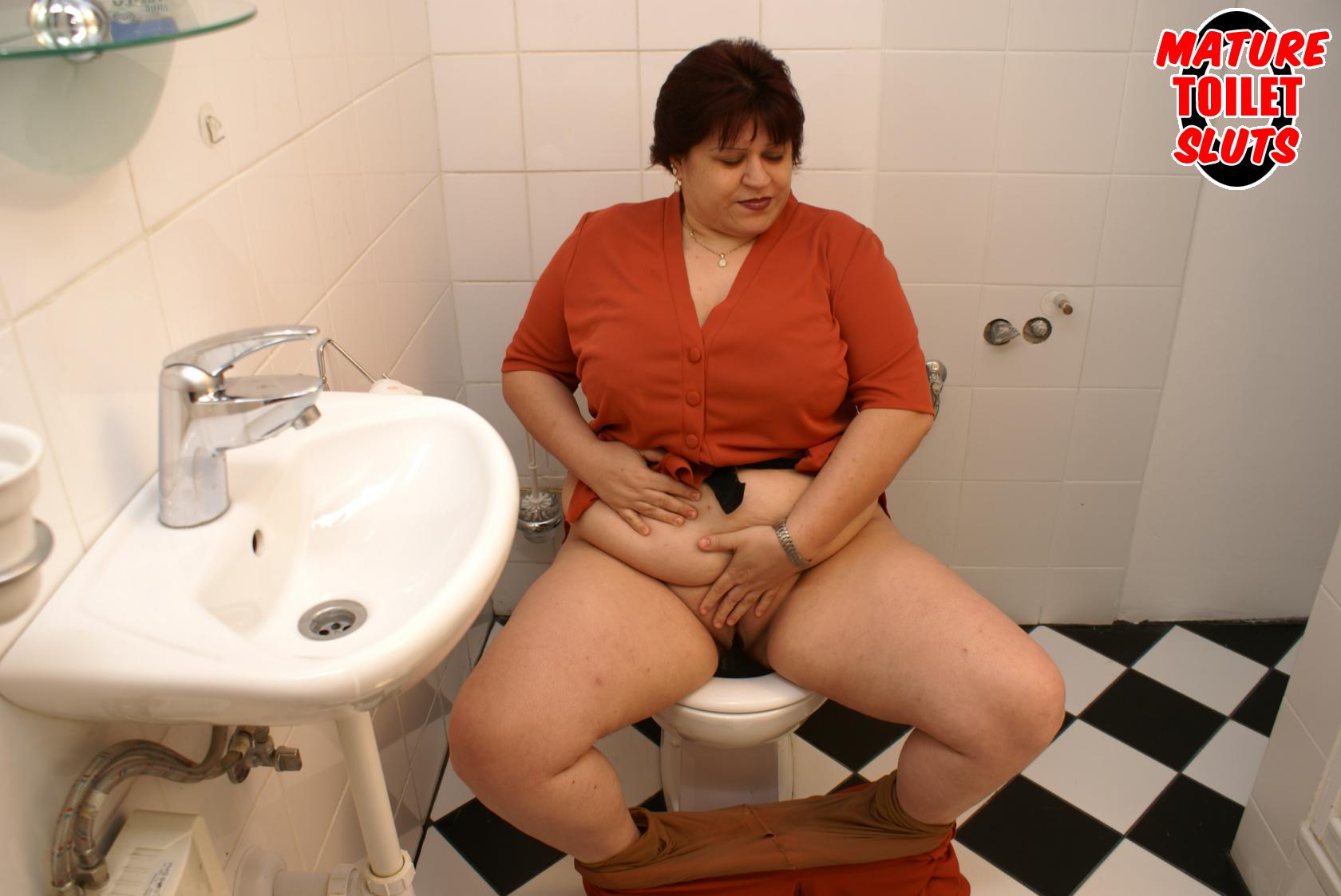 Туалет женщины в возрасти 3 фотография