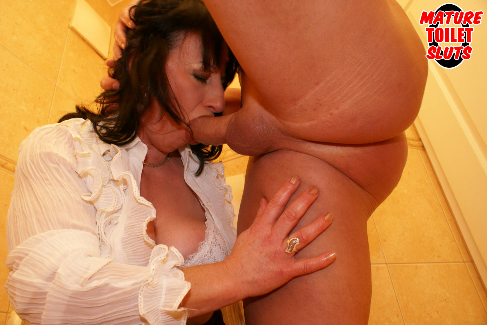 Older women gets a hot lap dance 7