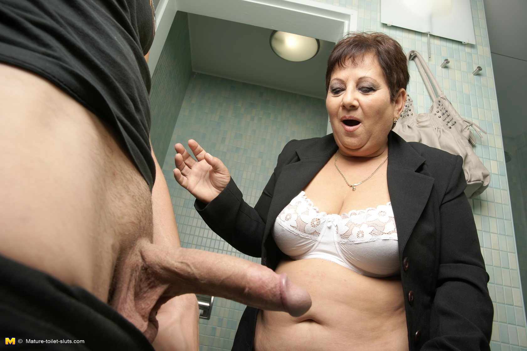 Have appeared mature sluts fucking on toilet