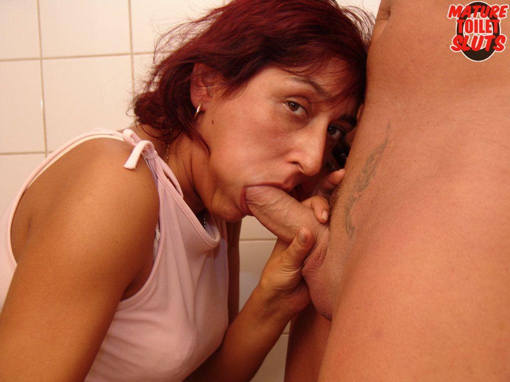 Urine odor Causes - Mayo Clinic