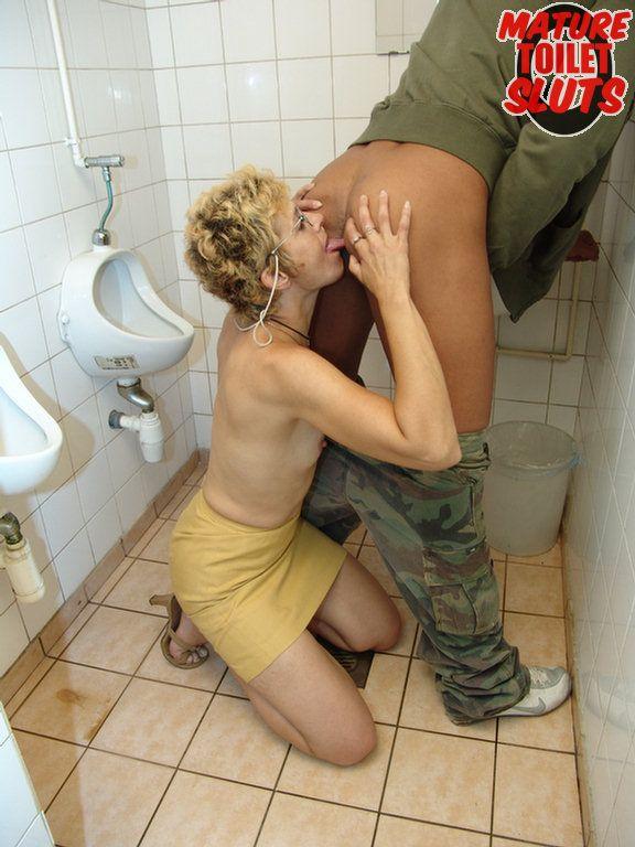 Public Toilet Porn