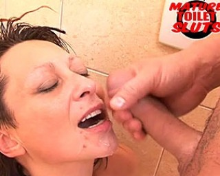 Asslicking and cum swallowing mature slut