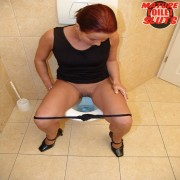 She never could have guessed what would happen while taken a pee