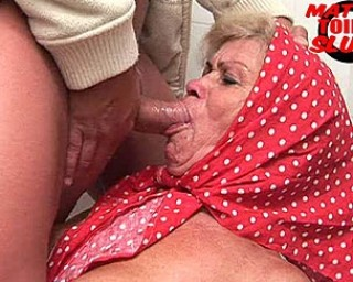 Omaseks Old slut in sucking and pissing action